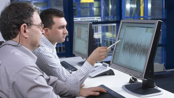 Remote monitoring of machines and equipment